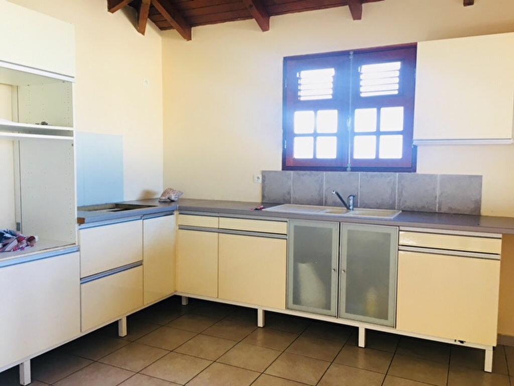 Maison à louer 5 90m2 à Capesterre-Belle-Eau vignette-4