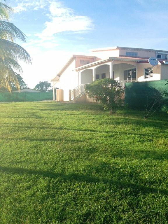 Maison à louer 3 92m2 à Baie-Mahault vignette-1