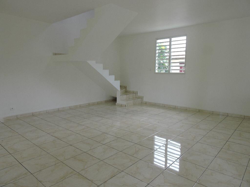 Maison à louer 4 90m2 à Lamentin vignette-4