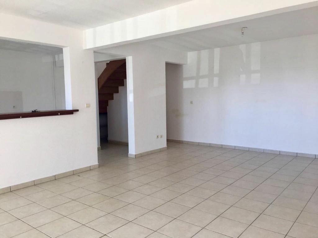 Appartement à louer 4 80m2 à Le Gosier vignette-2