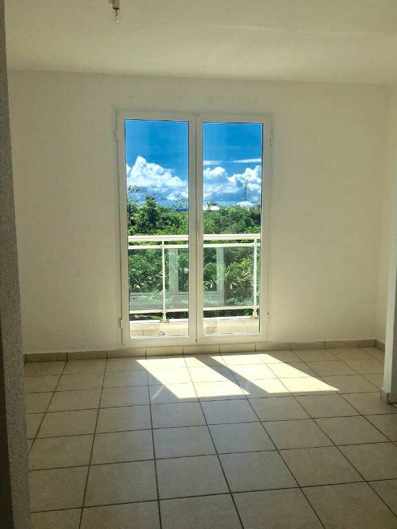Appartement à louer 4 80m2 à Le Gosier vignette-3