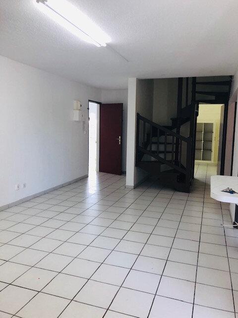 Appartement à louer 5 86.77m2 à Le Gosier vignette-2