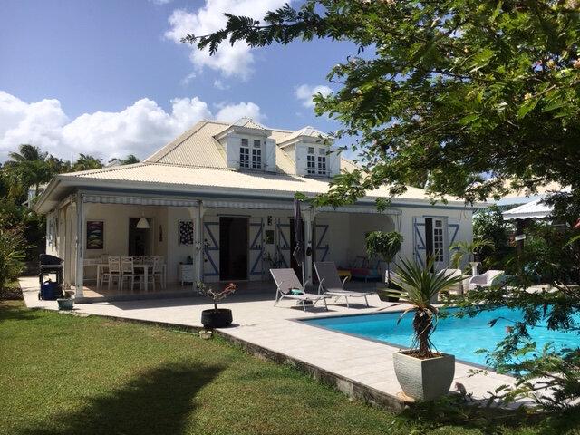 Maison à vendre 5 130m2 à Baie-Mahault vignette-1