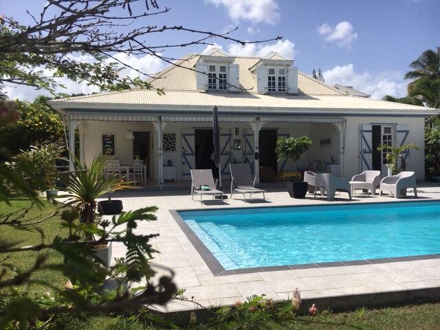 Maison à vendre 5 130m2 à Baie-Mahault vignette-2