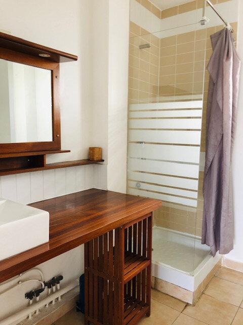 Appartement à louer 2 32.94m2 à Baie-Mahault vignette-2