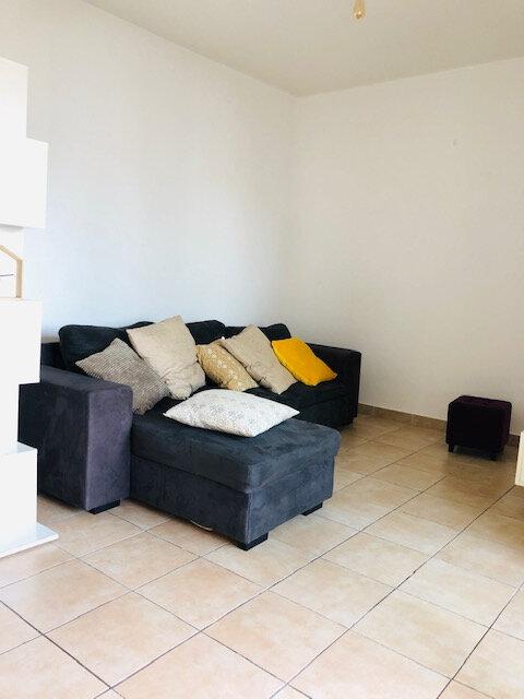 Appartement à louer 2 32.94m2 à Baie-Mahault vignette-3