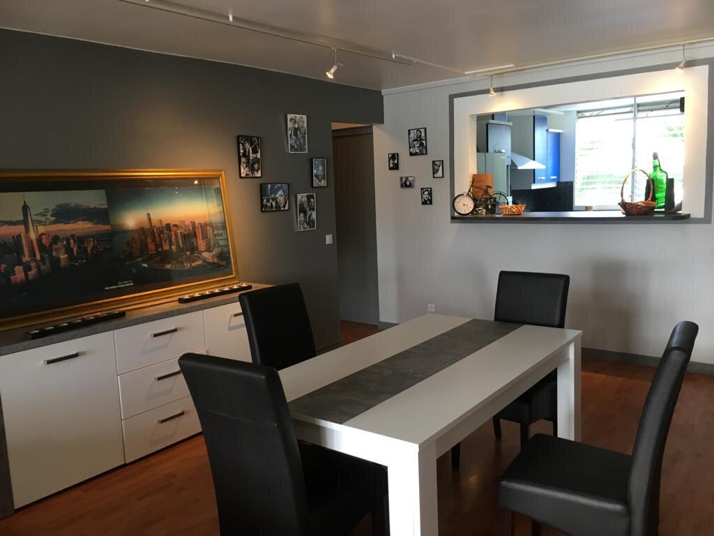 Appartement à louer 3 100m2 à Pointe-à-Pitre vignette-2