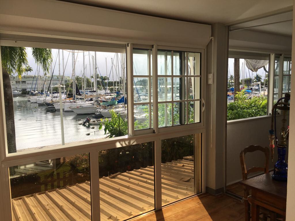 Appartement à louer 3 100m2 à Pointe-à-Pitre vignette-6