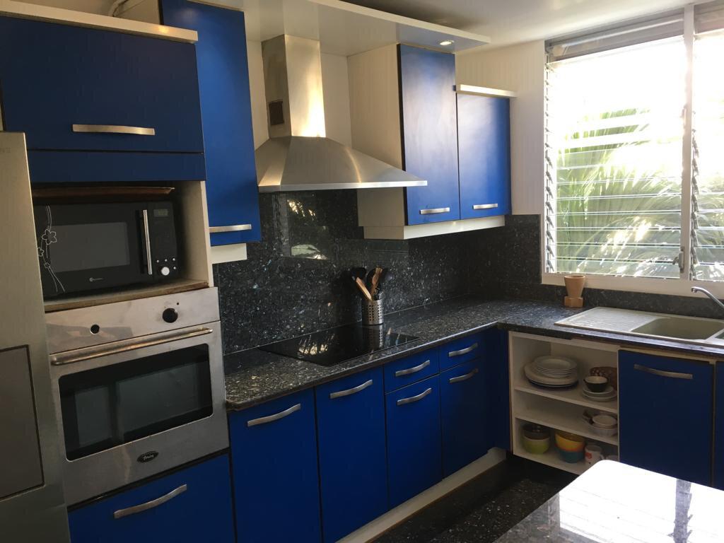 Appartement à louer 3 100m2 à Pointe-à-Pitre vignette-10