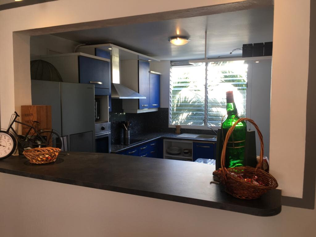 Appartement à louer 3 100m2 à Pointe-à-Pitre vignette-12