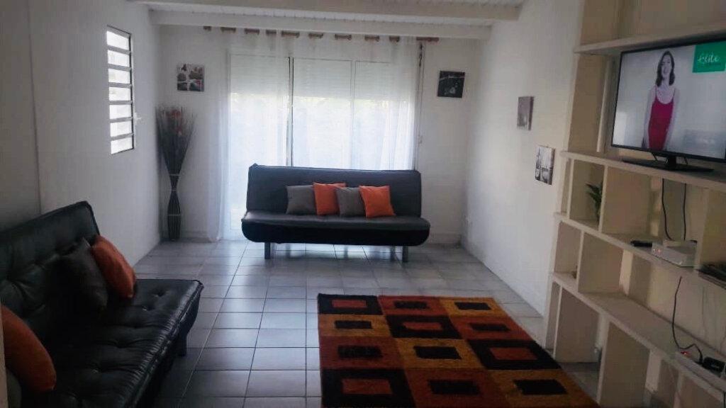 Appartement à louer 4 100m2 à Le Gosier vignette-4
