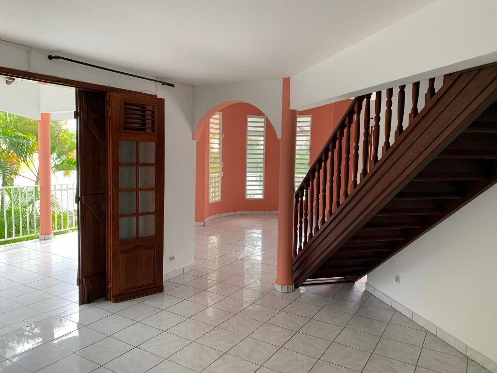 Maison à louer 7 190m2 à Baie-Mahault vignette-1