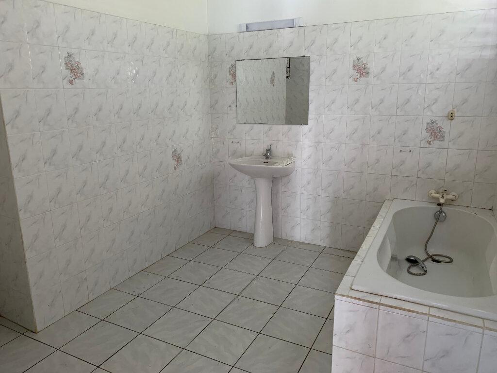 Maison à louer 7 190m2 à Baie-Mahault vignette-7
