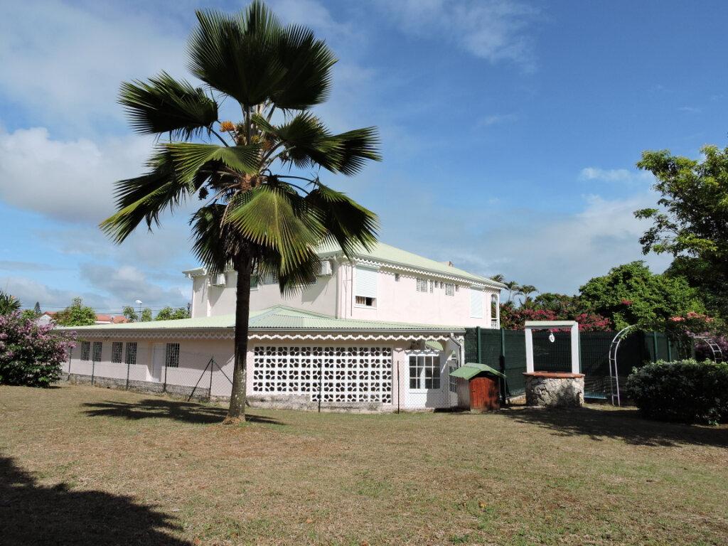 Maison à louer 5 209.23m2 à Baie-Mahault vignette-6