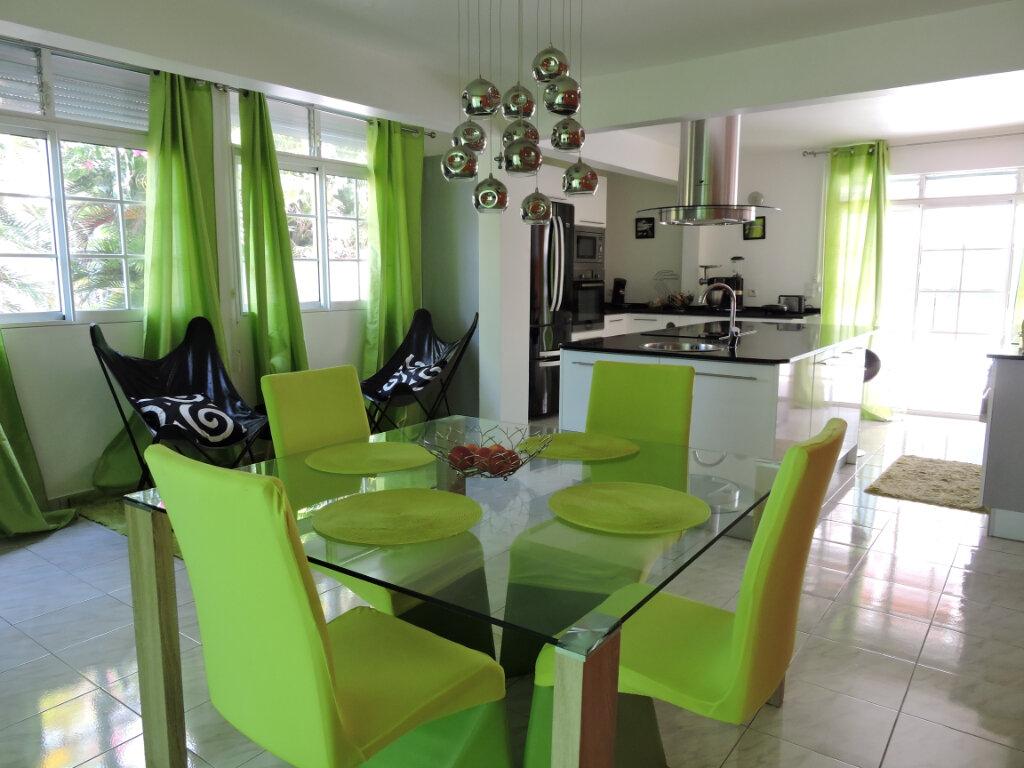 Maison à louer 5 209.23m2 à Baie-Mahault vignette-8