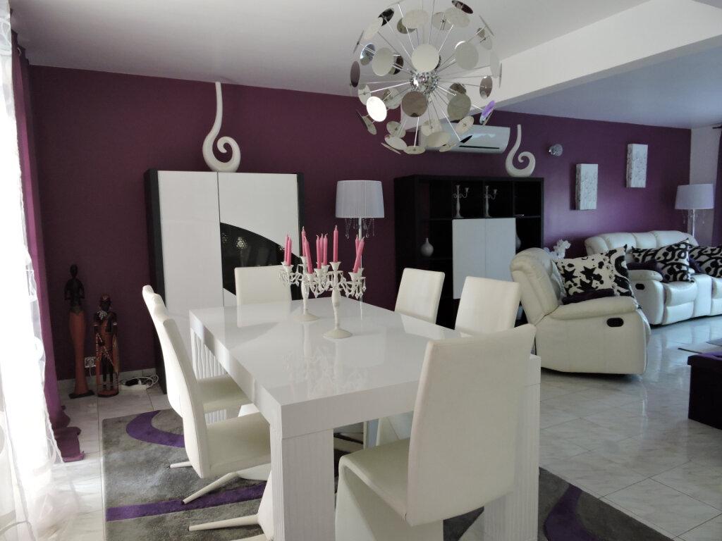Maison à louer 5 209.23m2 à Baie-Mahault vignette-9