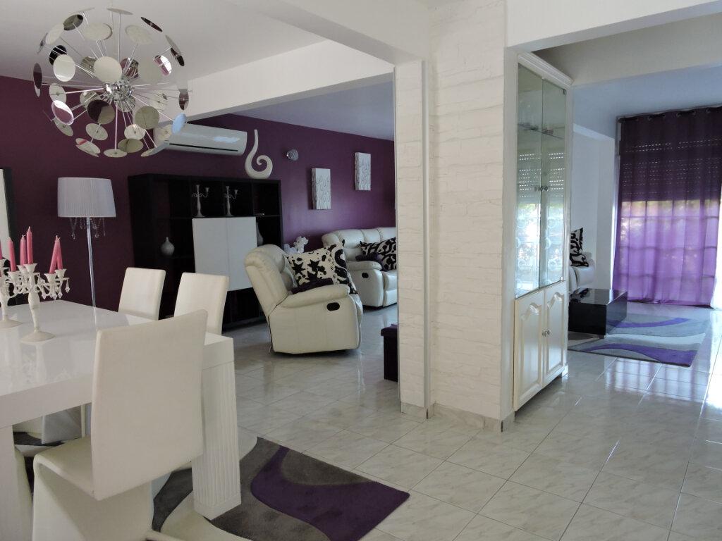 Maison à louer 5 209.23m2 à Baie-Mahault vignette-10