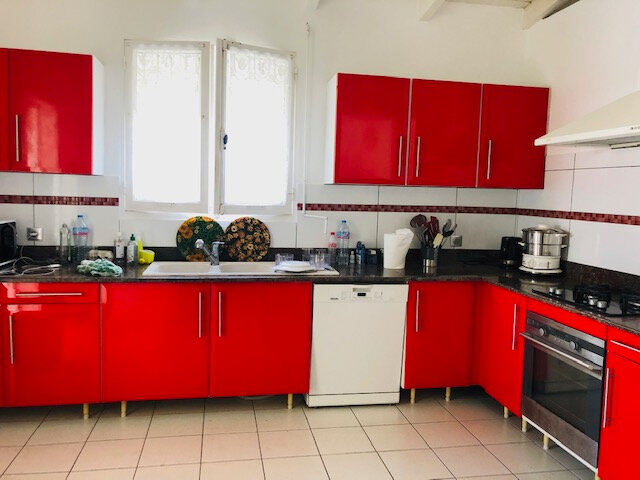 Maison à louer 5 136.18m2 à Baie-Mahault vignette-2