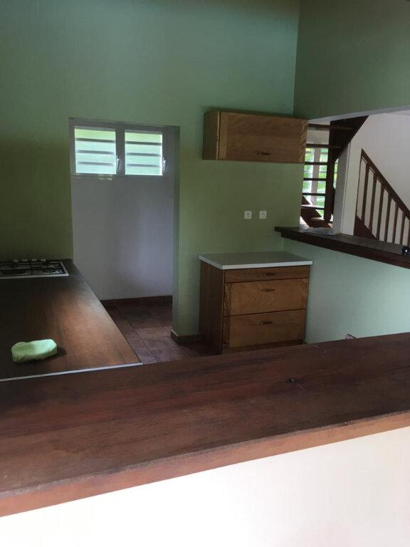 Maison à louer 4 180m2 à Petit-Bourg vignette-6