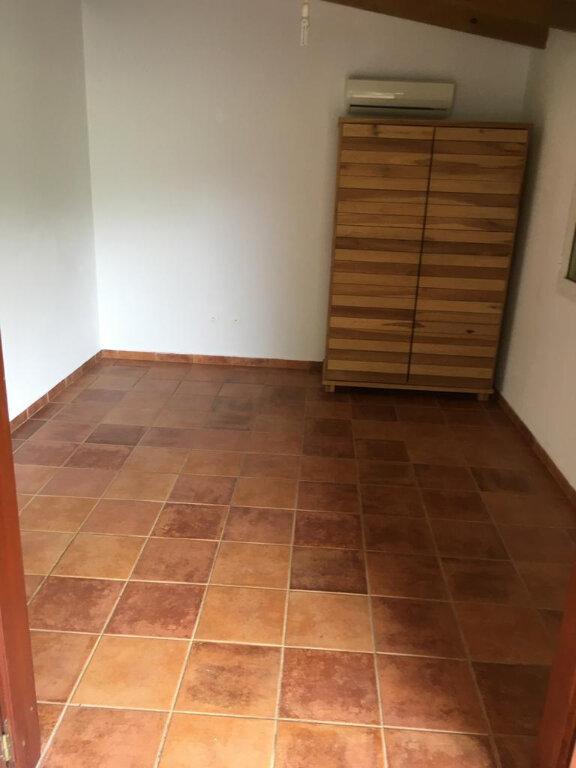 Maison à louer 4 180m2 à Petit-Bourg vignette-7