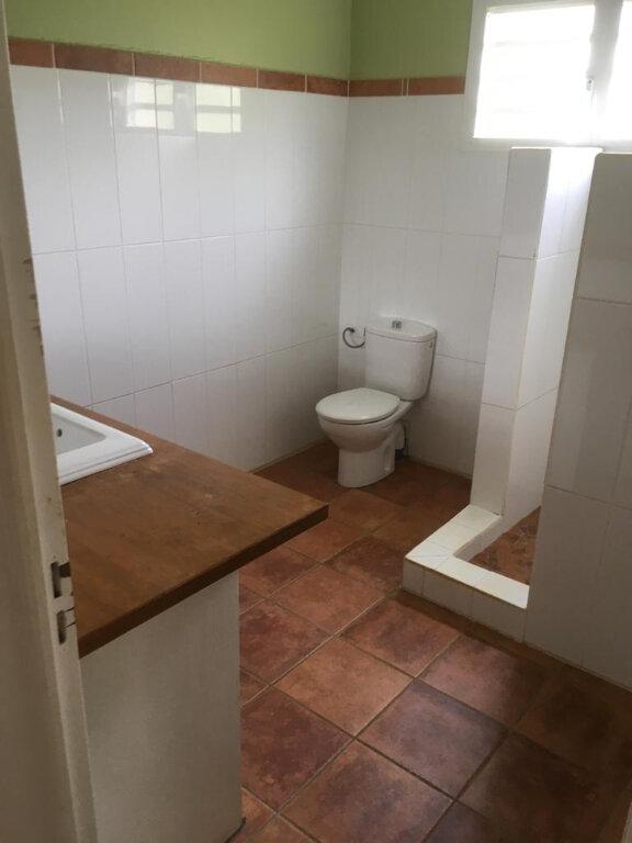 Maison à louer 4 180m2 à Petit-Bourg vignette-8
