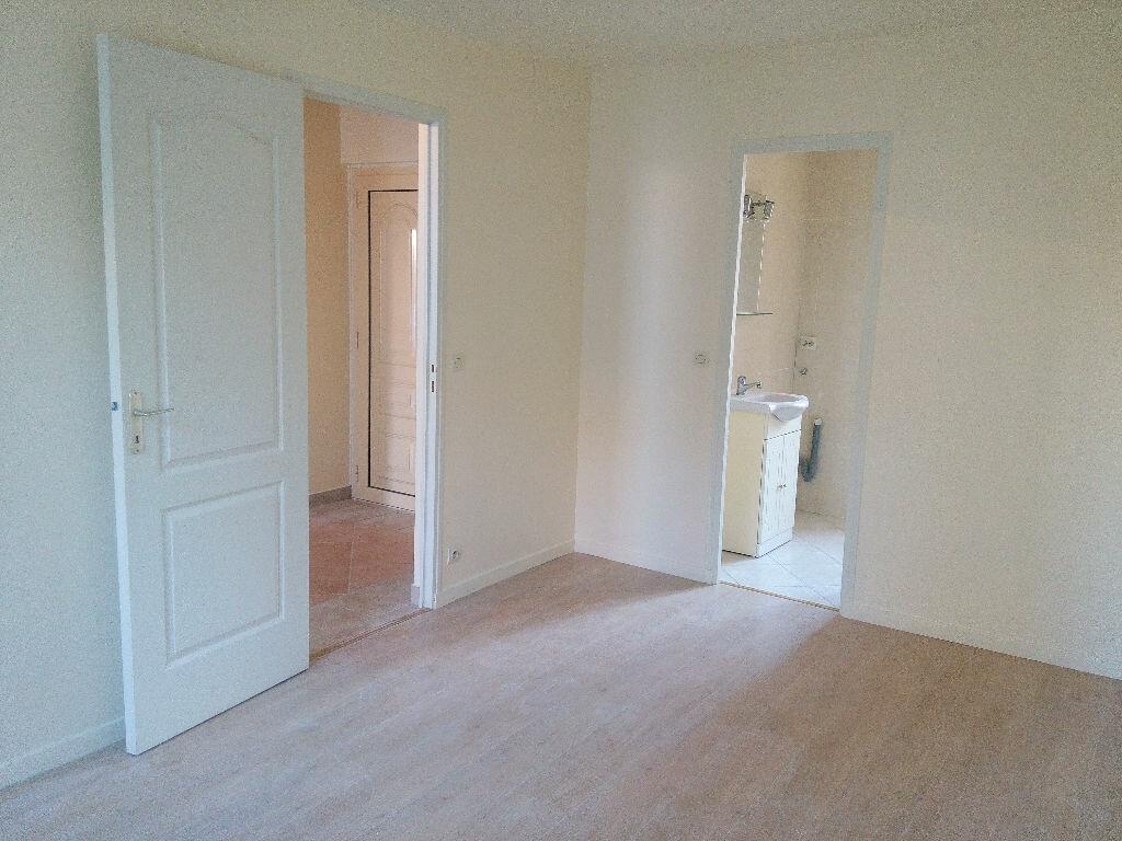 Appartement à louer 2 46m2 à Chennevières-sur-Marne vignette-5