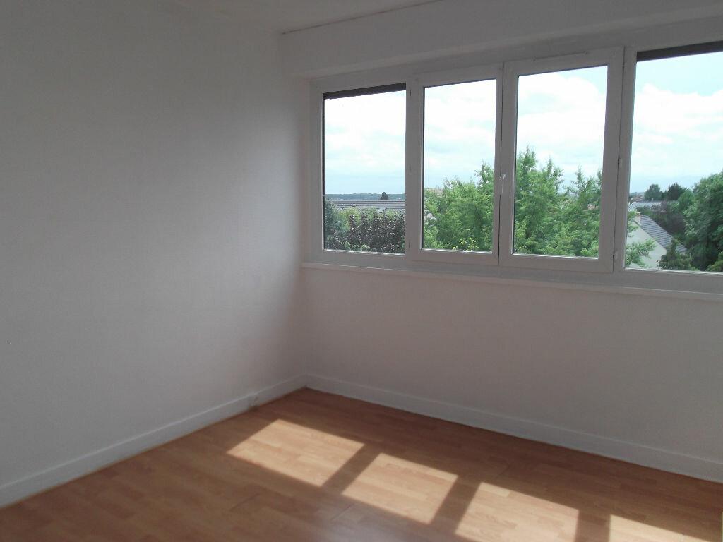 Appartement à louer 2 43.32m2 à Chennevières-sur-Marne vignette-2