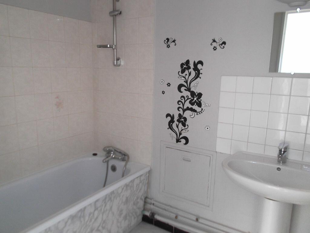 Appartement à louer 2 43.32m2 à Chennevières-sur-Marne vignette-4