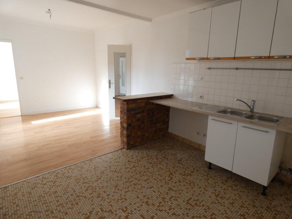 Appartement à louer 3 48m2 à Ormesson-sur-Marne vignette-2