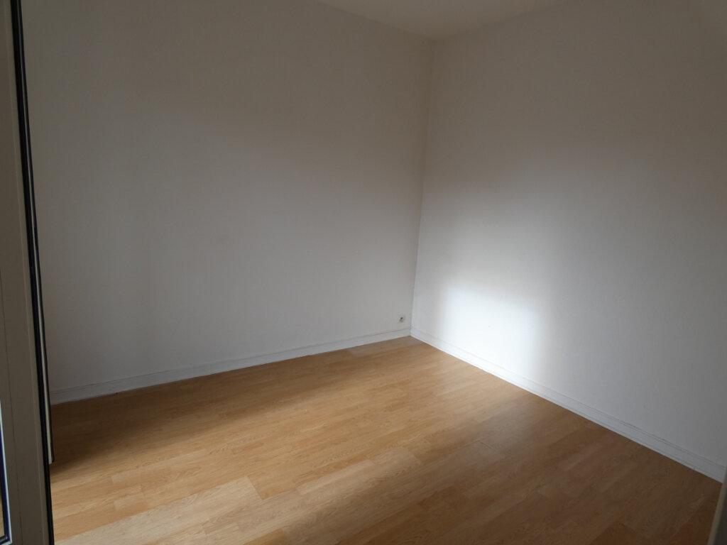 Appartement à louer 3 48m2 à Ormesson-sur-Marne vignette-4