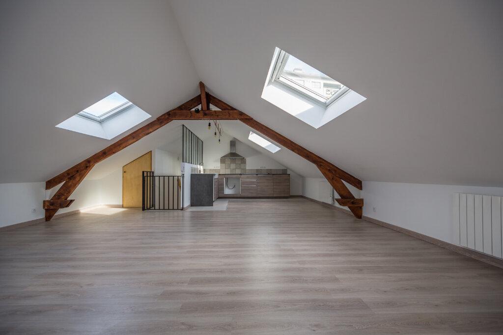Appartement à louer 4 75m2 à Sucy-en-Brie vignette-1