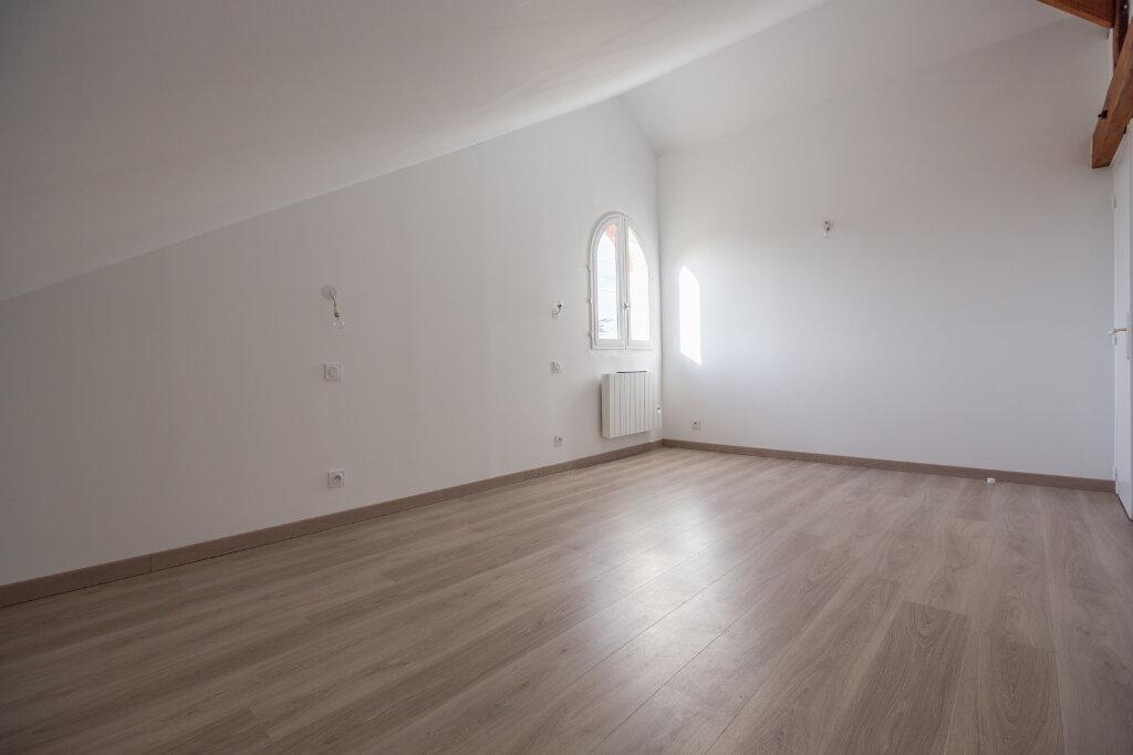 Appartement à louer 4 75m2 à Sucy-en-Brie vignette-6