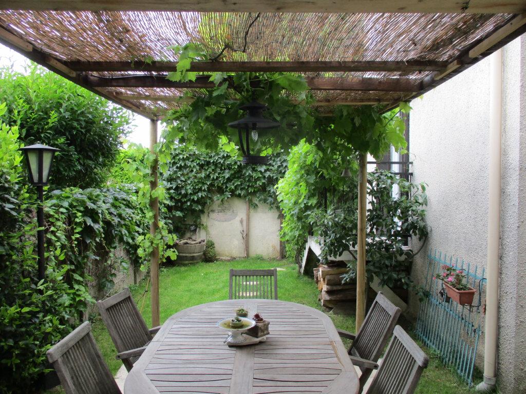 Maison à vendre 5 100m2 à Ormesson-sur-Marne vignette-3