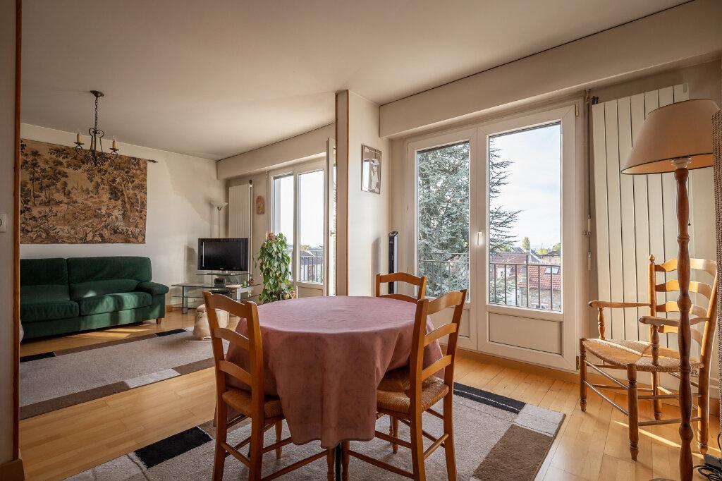 Appartement à vendre 4 72.66m2 à Chennevières-sur-Marne vignette-1