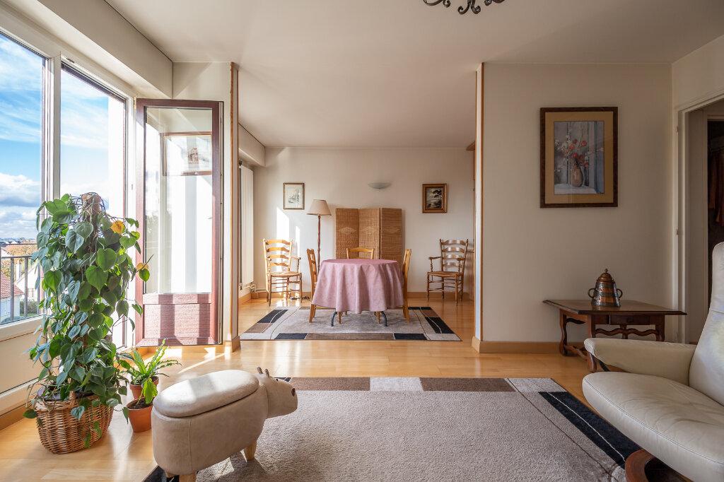 Appartement à vendre 4 72.66m2 à Chennevières-sur-Marne vignette-3