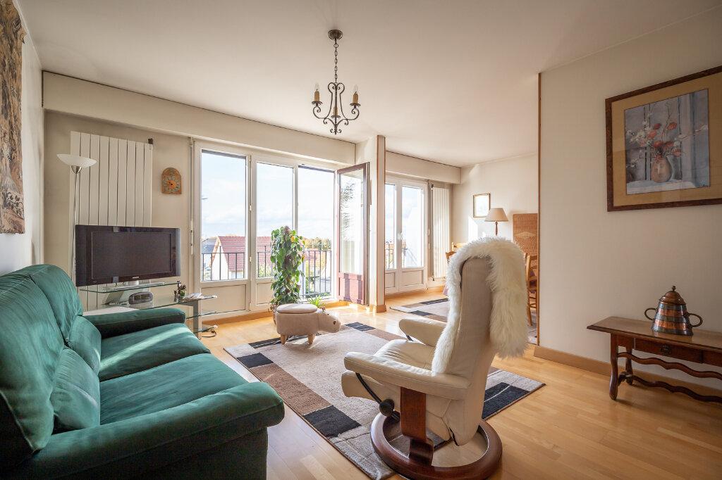 Appartement à vendre 4 72.66m2 à Chennevières-sur-Marne vignette-4