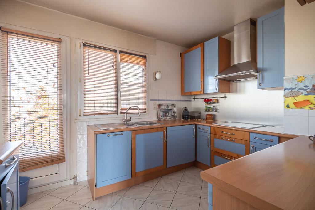 Appartement à vendre 4 72.66m2 à Chennevières-sur-Marne vignette-5