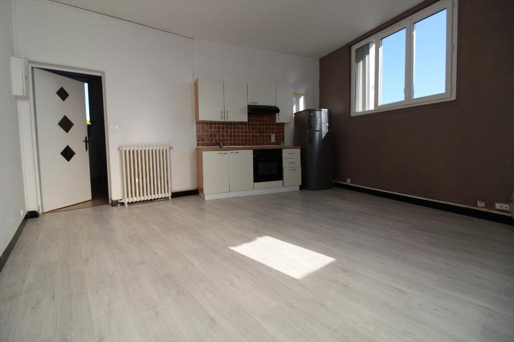 Appartement à vendre 2 34m2 à Étampes vignette-1