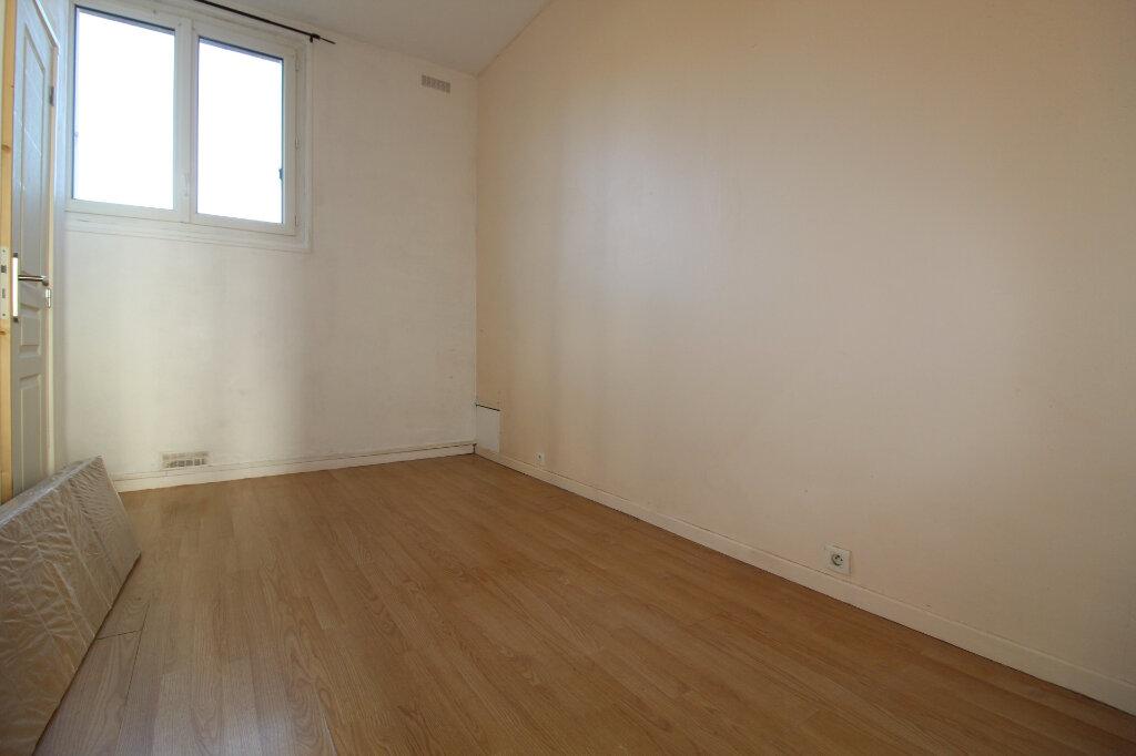 Appartement à vendre 2 34m2 à Étampes vignette-2