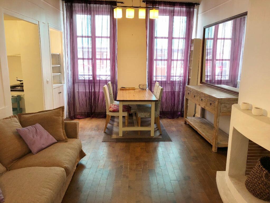 Appartement à louer 3 51.13m2 à Versailles vignette-1