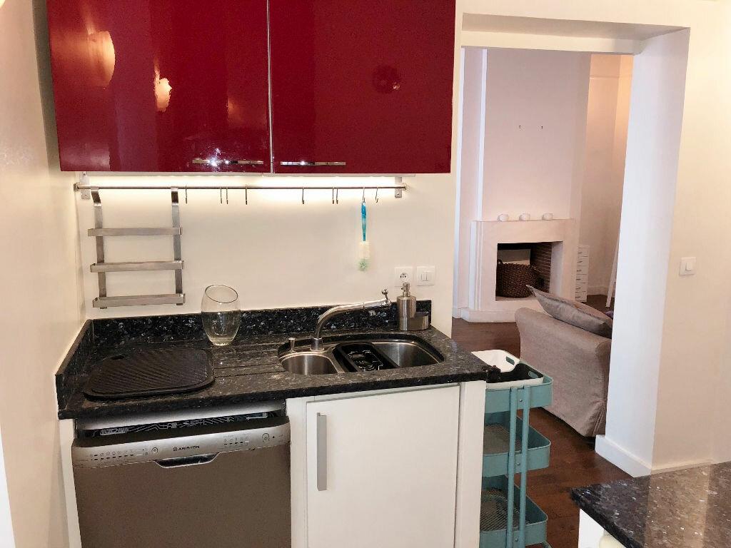 Appartement à louer 3 51.13m2 à Versailles vignette-4