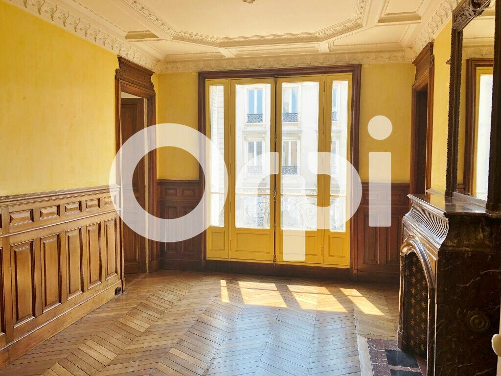 Appartement à louer 6 120.69m2 à Versailles vignette-2