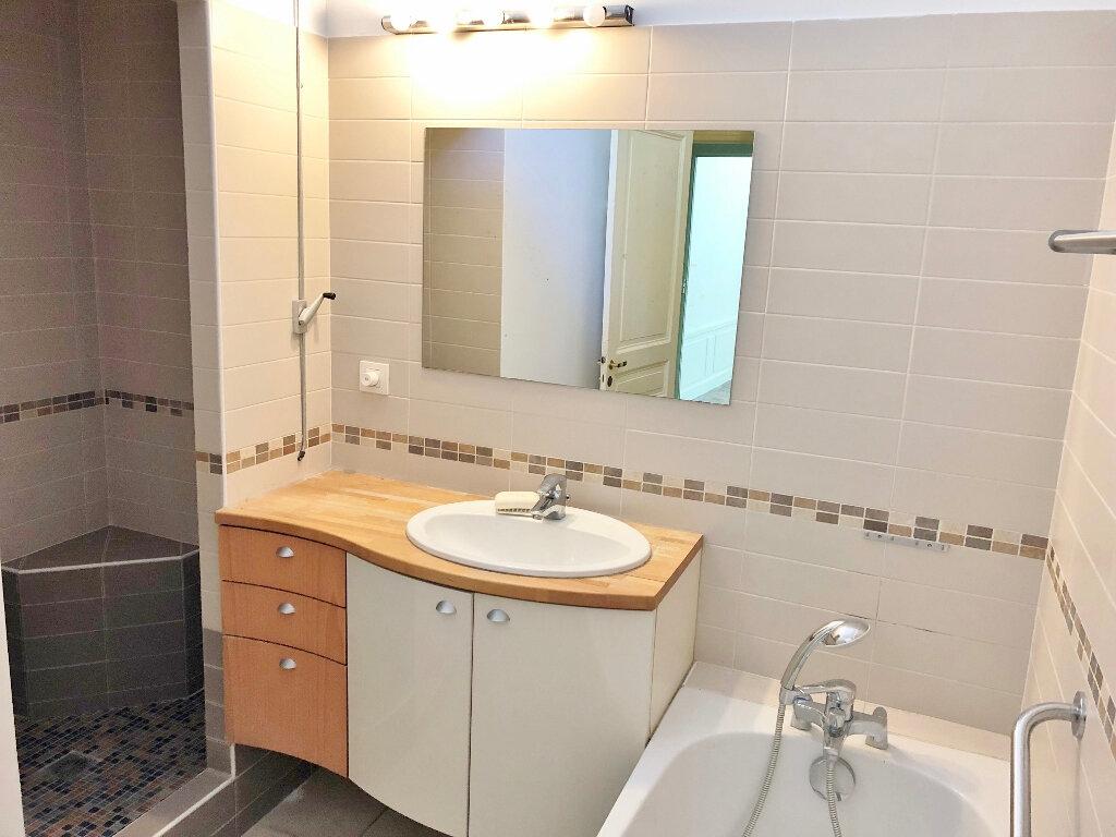 Appartement à louer 4 112.94m2 à Versailles vignette-8