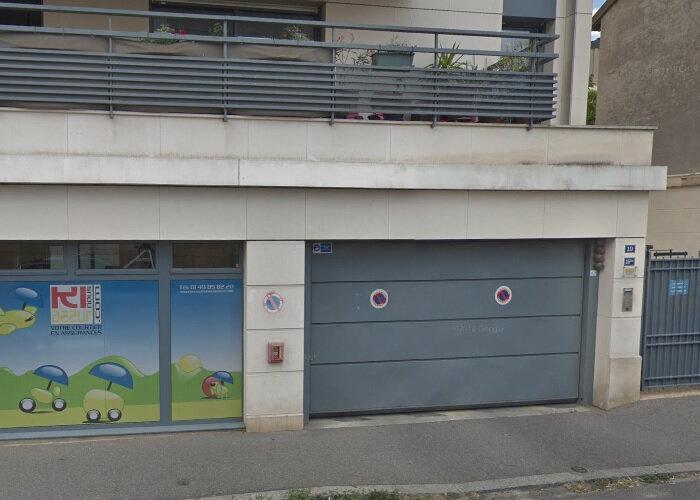 Stationnement à louer 0 0m2 à Arcueil vignette-1