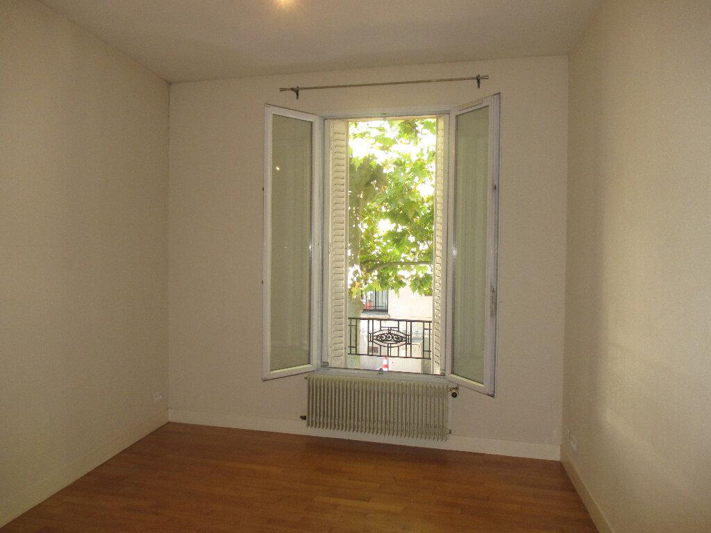 Appartement à louer 2 33m2 à Gentilly vignette-1