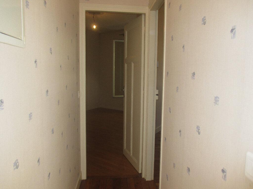 Appartement à louer 2 33m2 à Gentilly vignette-4