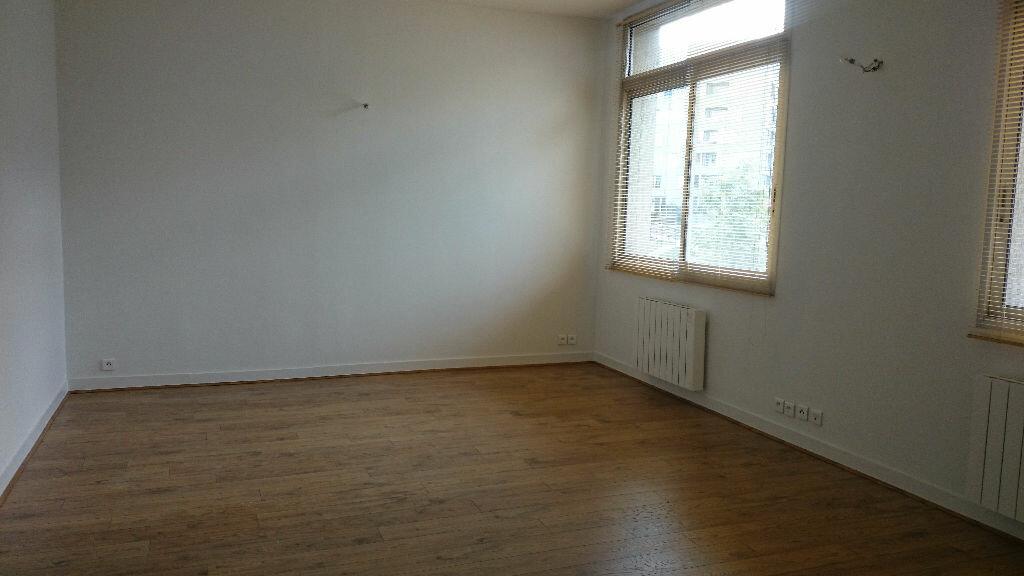 Appartement à louer 3 67m2 à Paris 13 vignette-1