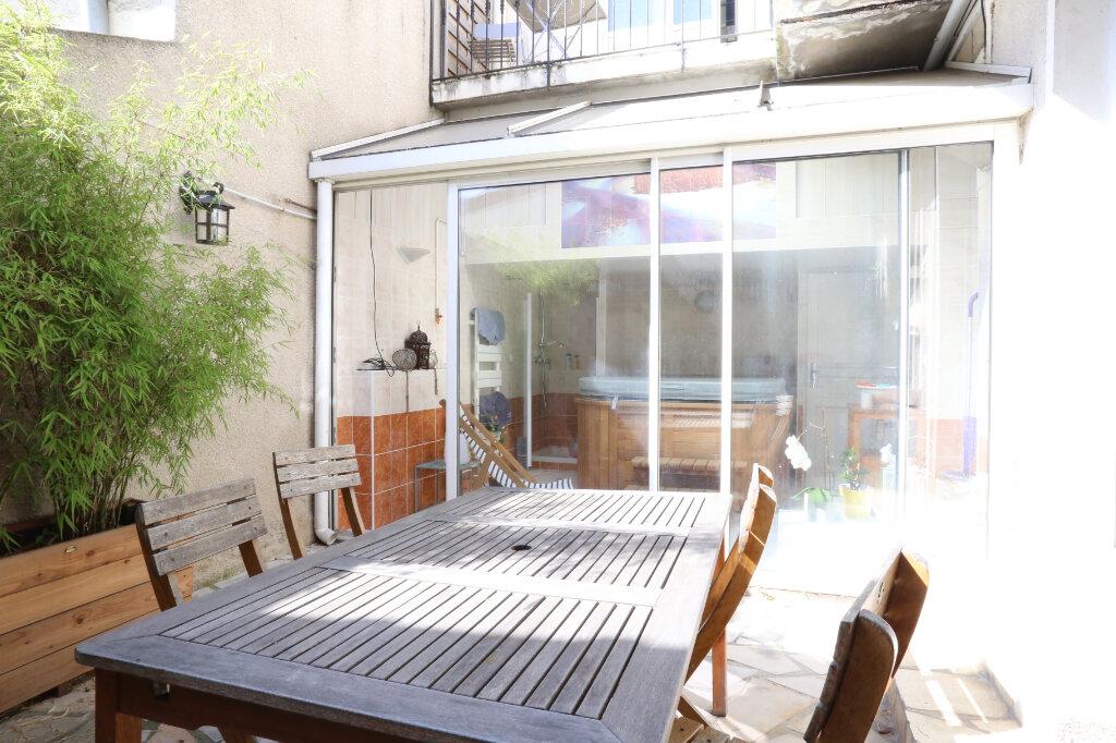 Maison à vendre 5 115m2 à Arcueil vignette-11