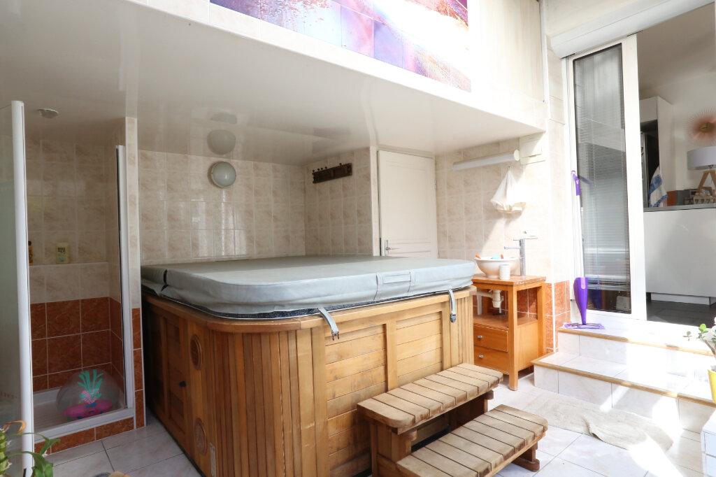 Maison à vendre 5 115m2 à Arcueil vignette-12