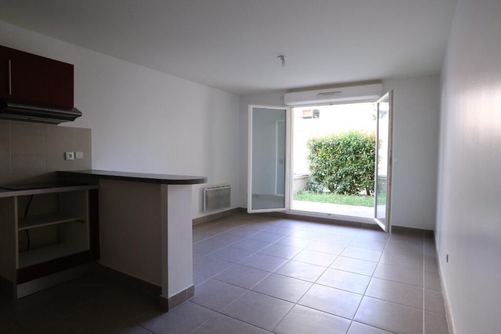 Appartement à louer 3 60.4m2 à Arcueil vignette-1